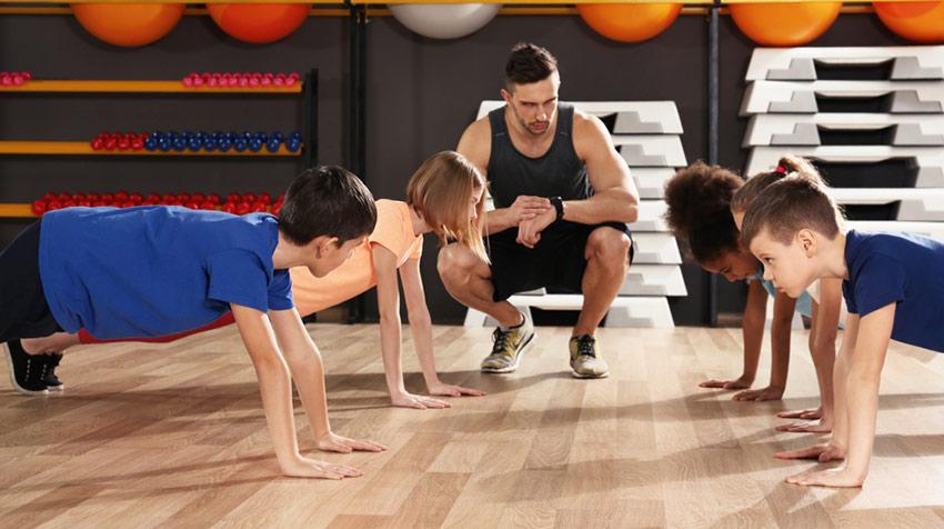 dziecko siłownia