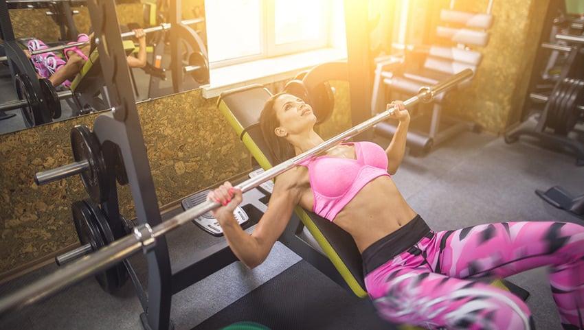 piersi trening siłowy