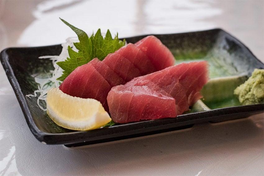 tuńczyk białko