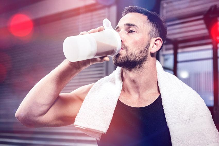 picie odżywki białkowej