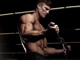 Czy tracimy masę mięśniową, gdy nie trenujemy i spożywamy zbyt mało białka?