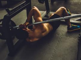 Błędy na siłowni, które mogą doprowadzić do kontuzji