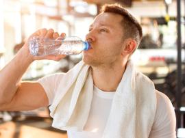 Czy picie wody ma wpływ na pompę mięśniową?
