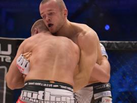Zawodnik MMA szuka żony