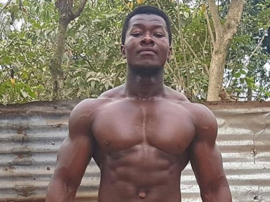 """Samuel """"Titanium"""" Kulbila - kulturysta, który ćwiczy bez profesjonalnej siłowni"""