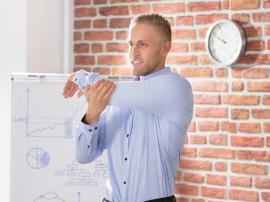 7 ćwiczeń rozciągających dla osób z siedzącą pracą
