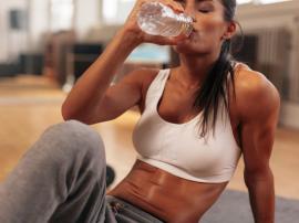 Nawodnienie organizmu: 7 rzeczy, które musisz wiedzieć o nawadnianiu