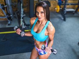 Czy od ćwiczeń maleją piersi? Siłownia a utrata biustu
