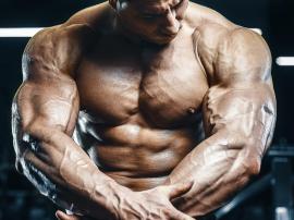Cztery ćwiczenia, które doprowadzą Twoje tricepsy do eksplozji!