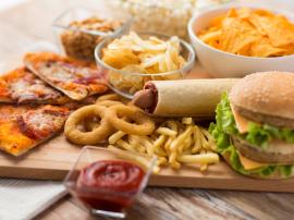 Czy kalorie są sobie równe? Czy szybko tyjemy od wysoko przetworzonych pokarmów?