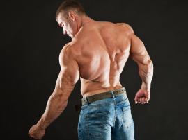 Jak trenować grzbiet, który trening na plecy jest najlepszy?