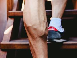 Czy trening siłowy na siłowni zwiększa ryzyko powstawania żylaków?