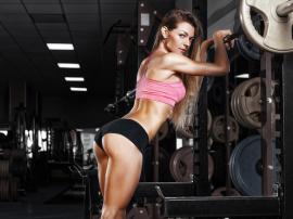 Dlaczego warto ćwiczyć pośladki? Przykładowy plan treningowy