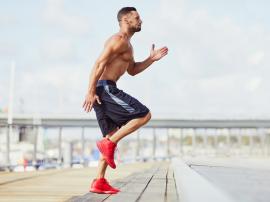 Wpływ BCAA na wysiłek fizyczny. Czy aminokwasy rozgałęzione pomagają w treningu?