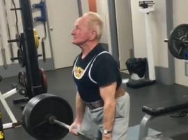Niesamowity Joe Stockinger ma 90 lat i ćwiczy na s