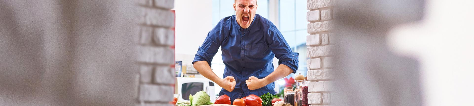 Jak skrócić czas w kuchni? 5 sposobów na szybsze przygotowywanie posiłków