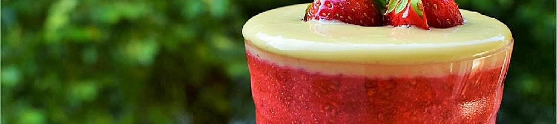 Truskawkowy chia pudding