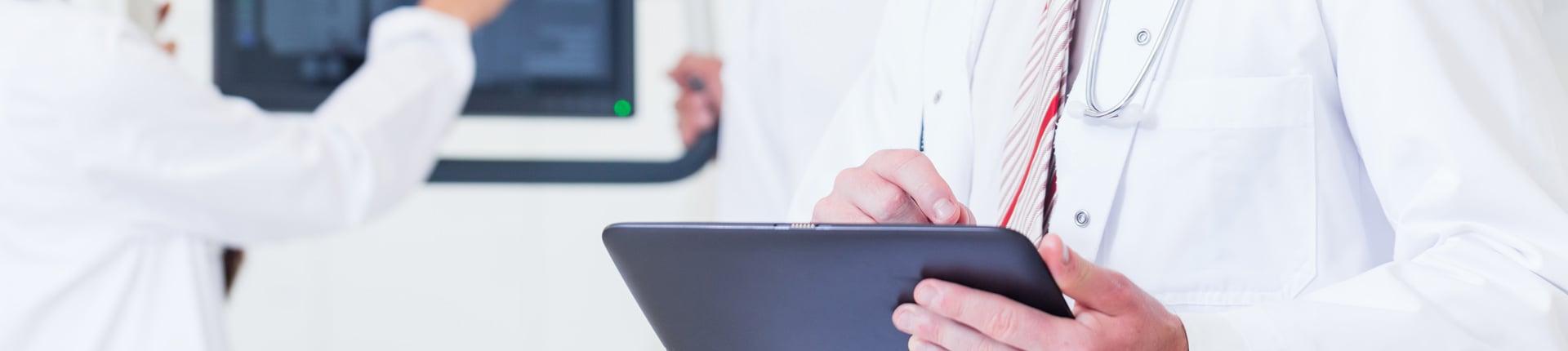 Czy mogę stosować suplementy, odżywki, leki (np. SAA) przed komisją lekarską?