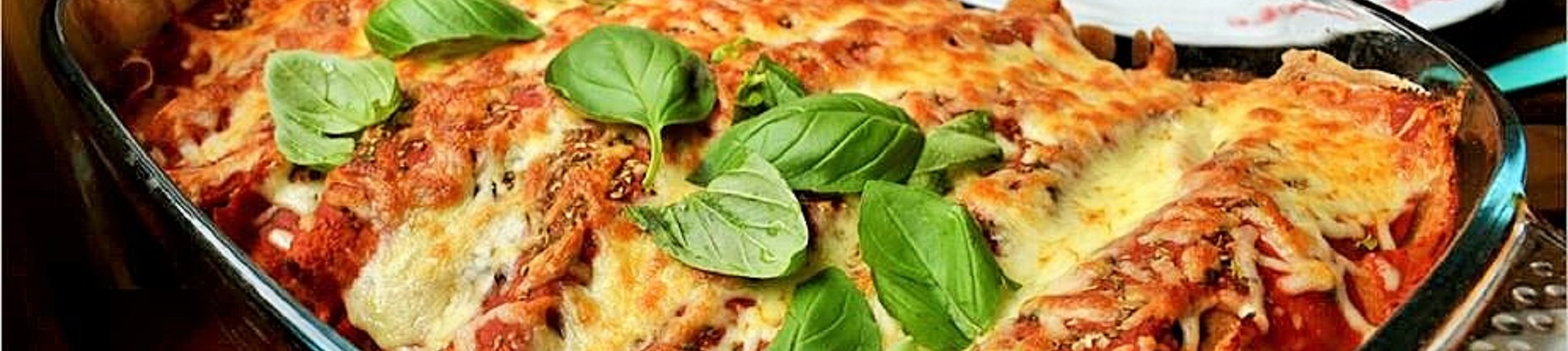 Naleśniki z indykiem zapiekane z pomidorami i mozzarellą