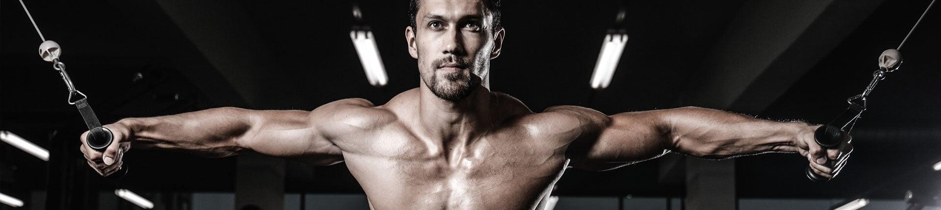 3 maszyny które urozmaicą twój trening mięśni klatki piersiowej