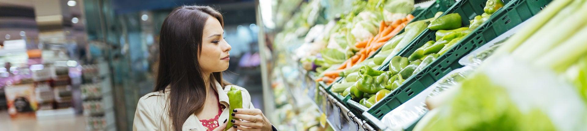 Zielone warzywa pakowane w worki foliowe - czy na pewno zdrowe?