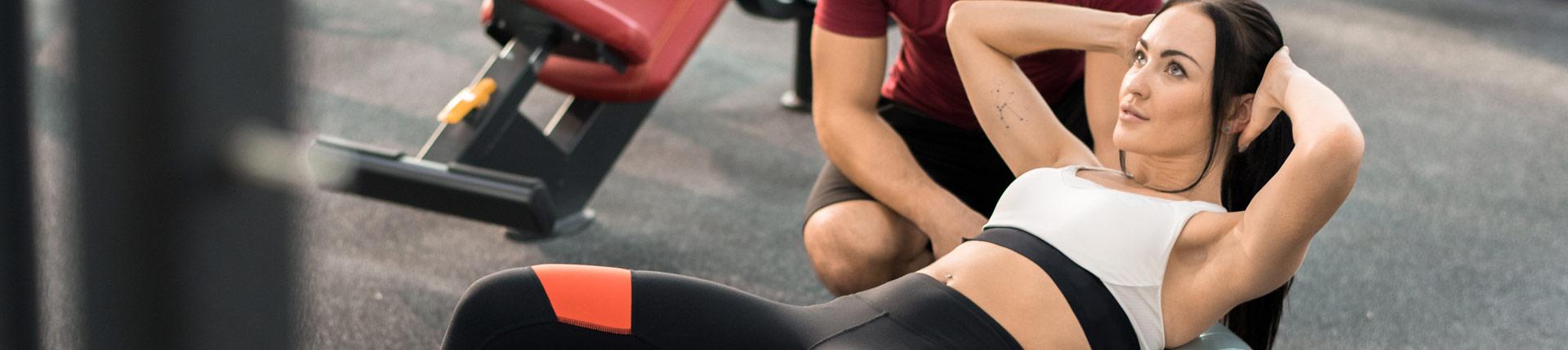 Trening CORE z piłką fitnessową  i gumą oporową