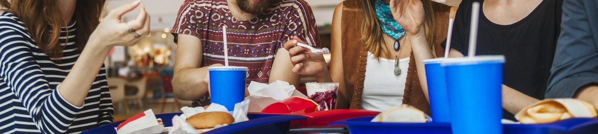 Jak często jadasz fast foody? Fast food wpływ na jelita i zdrowie