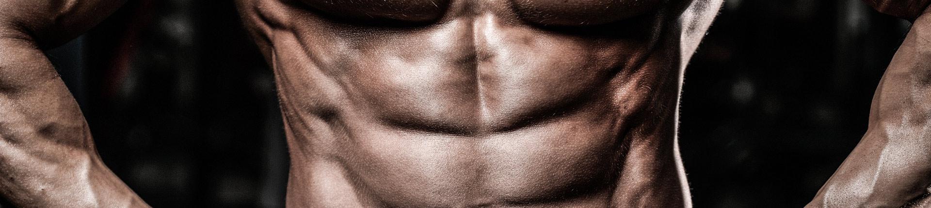 Trening brzucha na wyciągu - wypróbuj te 3 ćwiczenia!