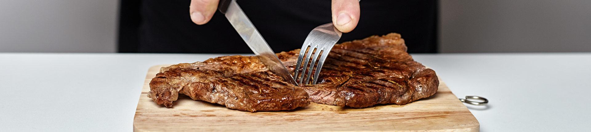Mięso, odżywki białkowe i wege-ekstremizm. Co jest zdrowsze?