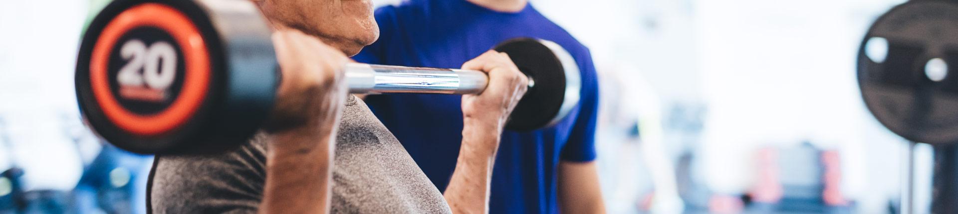 Styl życia zmniejszający stan zapalny może wzmacniać efekty treningu siłowego