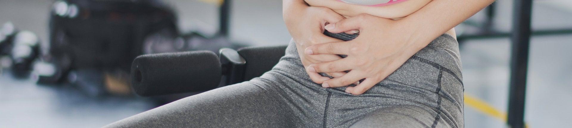 Ból brzucha podczas treningu? Poznaj 5 najczęstszych przyczyn