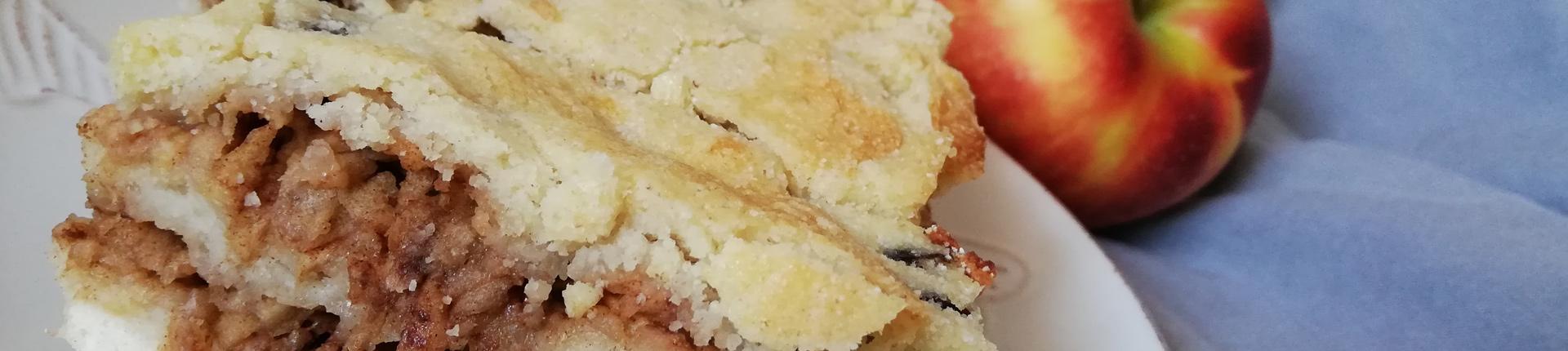 Przepyszna szarlotka bez jajek i cukru - przepis