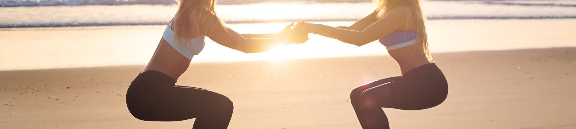 Nuda na plaży? Zrób trening! Zestaw ćwiczeń do wykonania na plaży