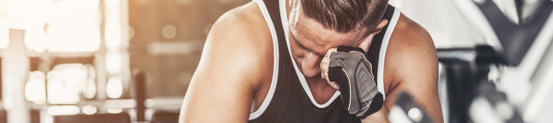 Sterydy anaboliczno-androgenne a samobójstwa. Czy szkodzą i zwiększają ryzyko?