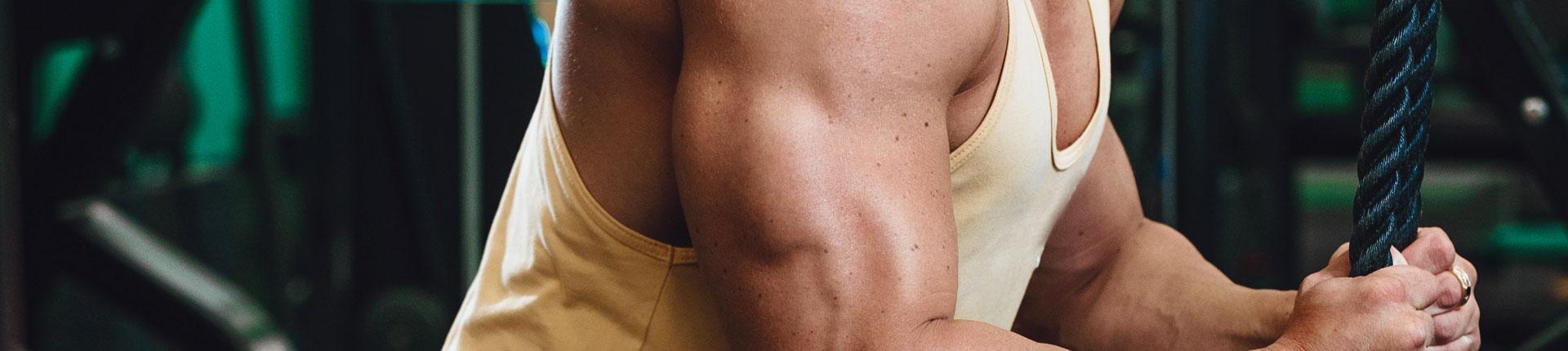 Trzy ćwiczenia na kompletny rozwój tricepsów!