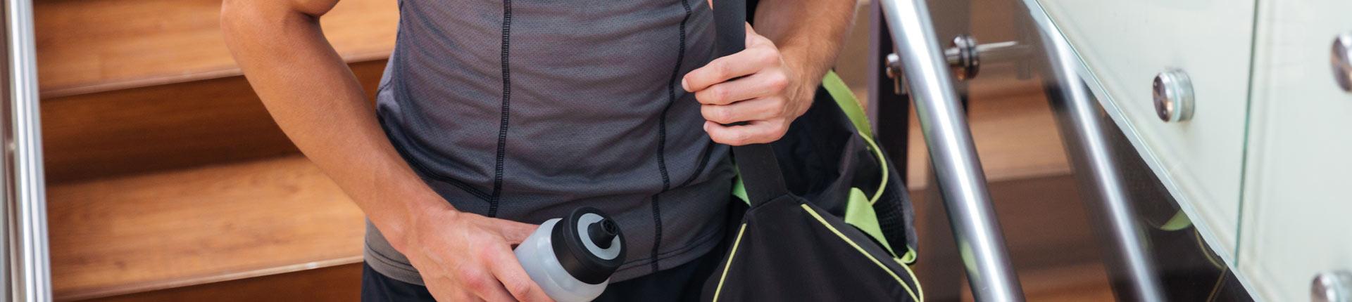10 akcesoriów treningowych które możesz zabrać ze sobą na siłownię