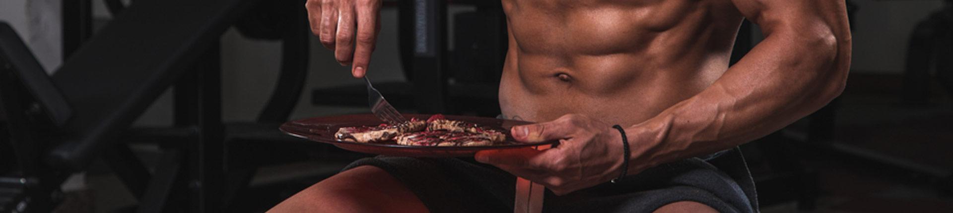 Co jeść przed i po treningu? Masa, redukcja, błędy żywieniowe!