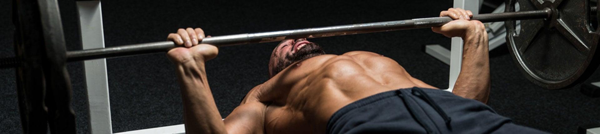 Czy wyciskanie sztangi leżąc to najlepsze  ćwiczenie na klatkę piersiową?