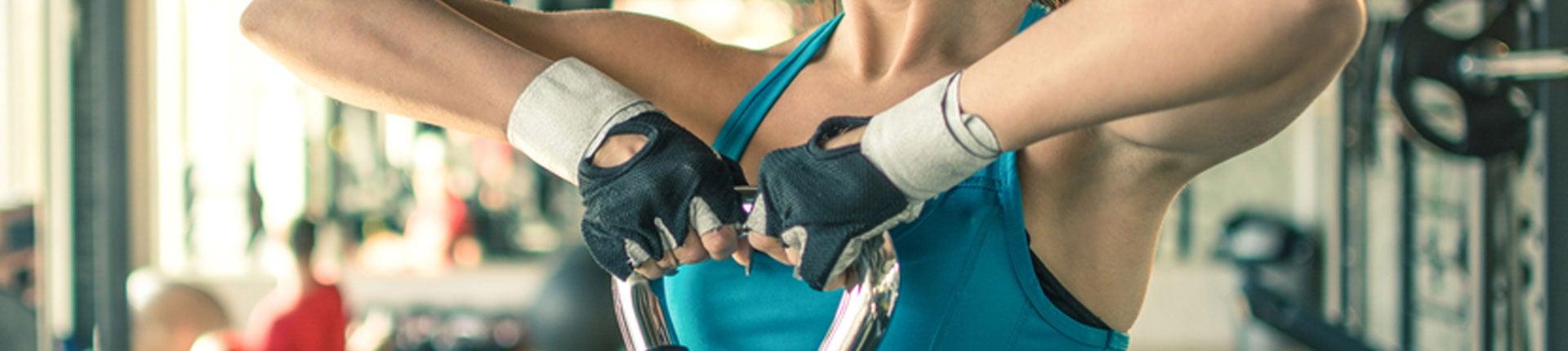 Rękawiczki treningowe - czy warto ich używać w trakcie ćwiczeń?
