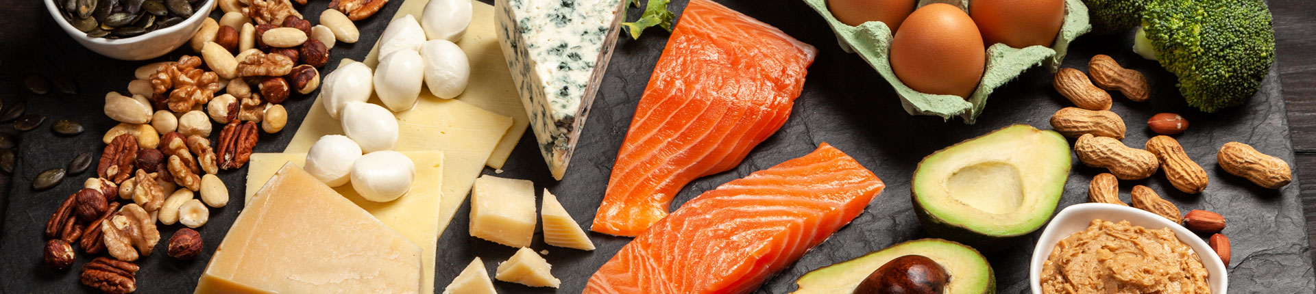 Zalety diety ketogenicznej. Dieta keto a cukrzyca, trądzik, PCOS i sen