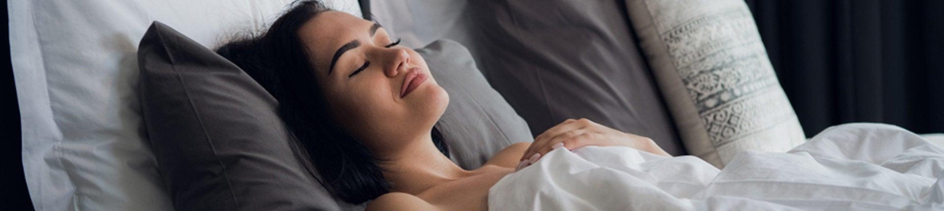 Jak zasnąć bez liczenia owiec? Co ułatwia zasypianie?