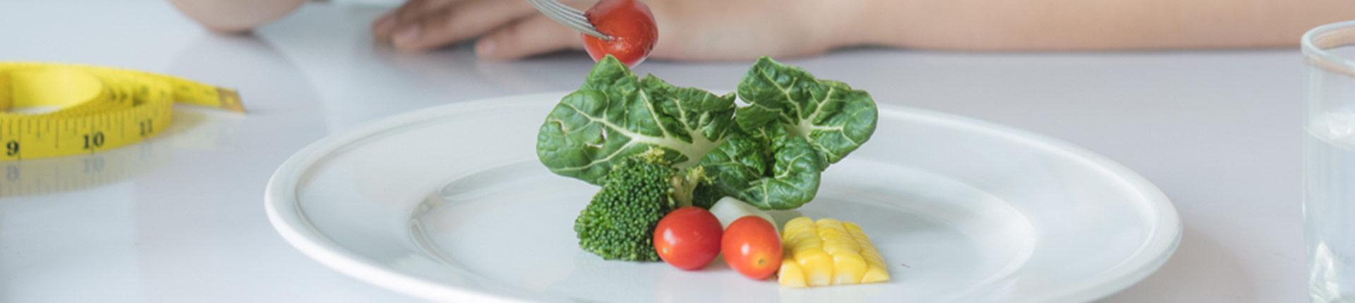 Czy jedząc mniej przedłużę sobie życie?
