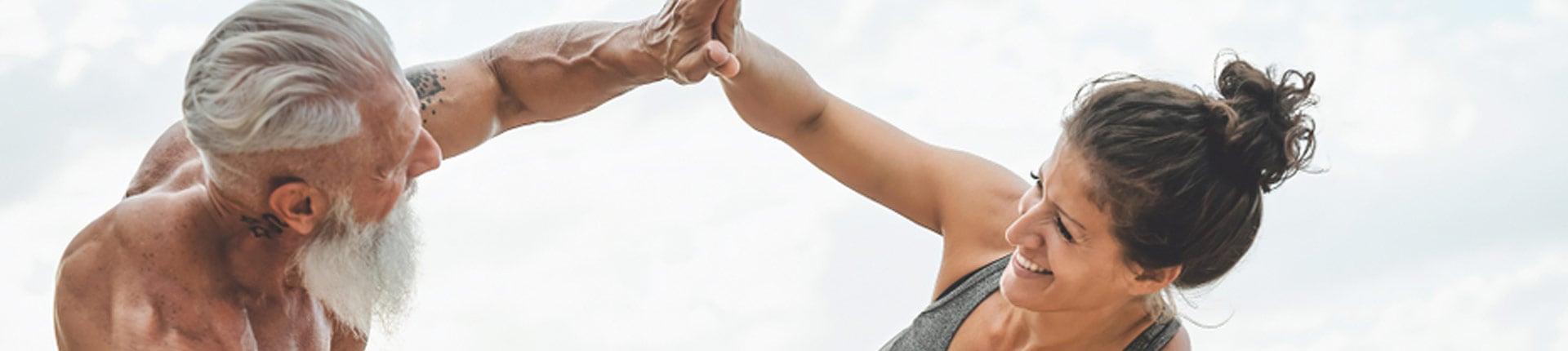 Spożywanie większej ilości białka pomaga zmniejszyć ryzyko spadku sił u osób starszych
