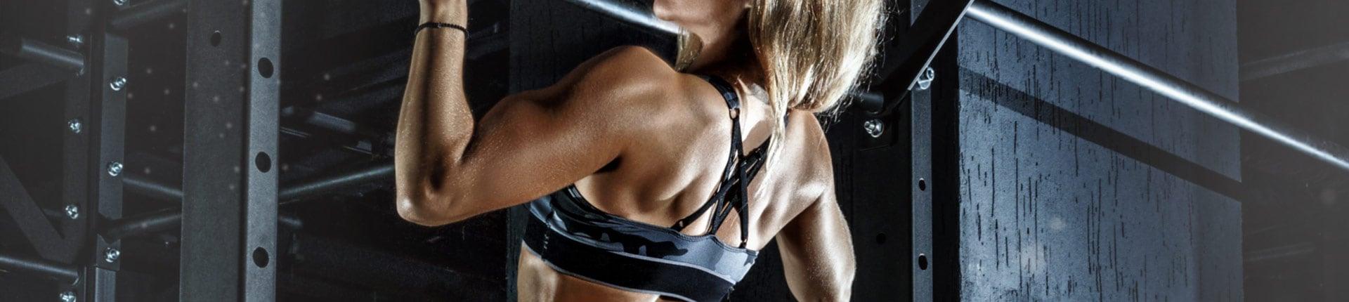 4 ćwiczenia core wspomagające podciąganie na drążku u kobiet