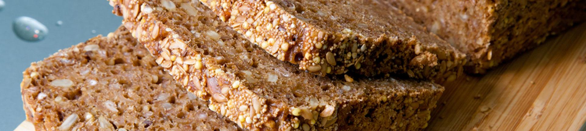 Dlaczego chleb pełnoziarnisty jest lepszy od białego pieczywa?