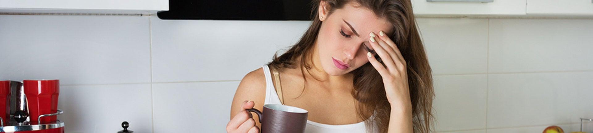 Czy brak kawy i kofeiny może powodować ból głowy?