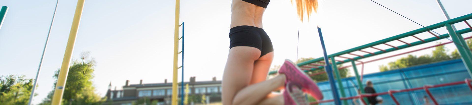 Trening na świeżym powietrzu - jakie ćwiczenia wykonywać?