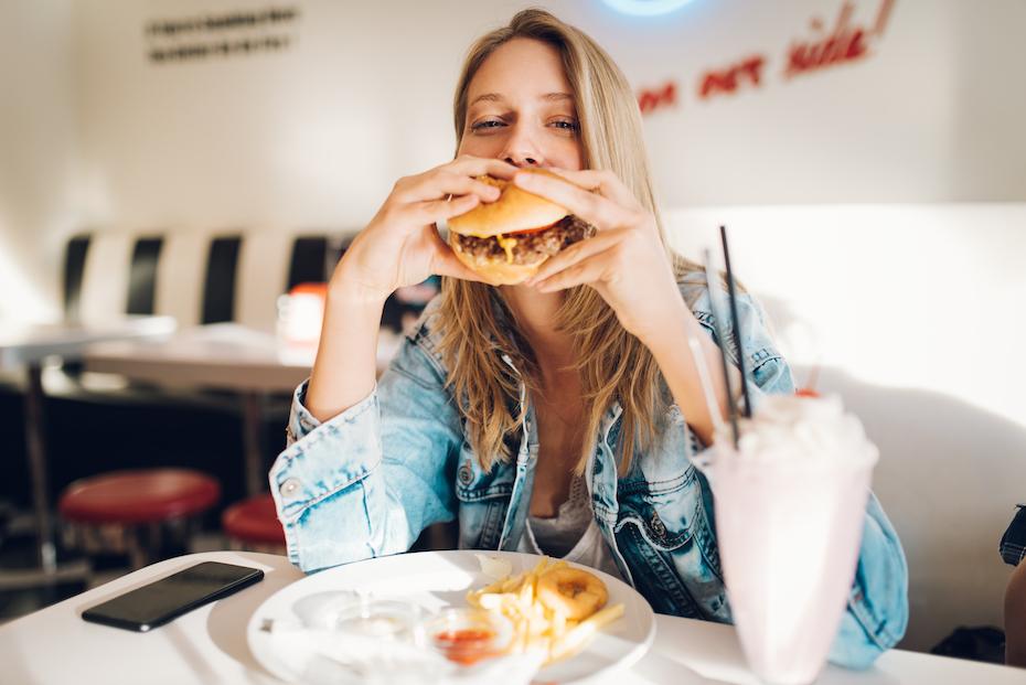 Czy mogę jeść dużo i chudnąć? Tak, jeśli będziesz trzymać się tych zasad…