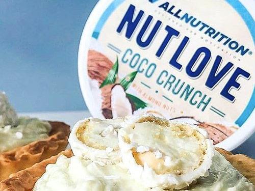 Nutlove Coco Crunch to czysta przyjemność dla podniebienia. Krem kokosowy z dodatkiem chrupiących migdałów